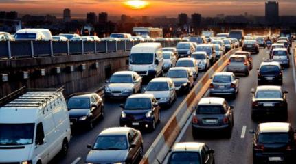 汽车金融市场火爆,如何长远发展?