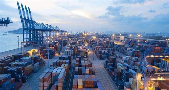 今年前11个月中国外贸 进出口总值增长15.6%