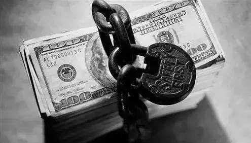 铡刀落地,放弃嗜血的现金贷能向银行收费吗?
