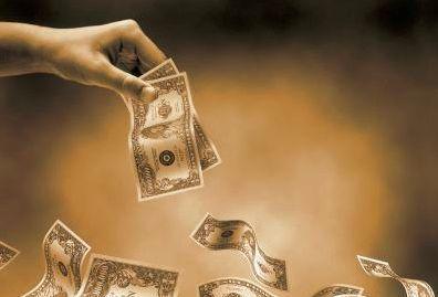 畸高利率、不当催收:监管出击终结现金贷野蛮生长