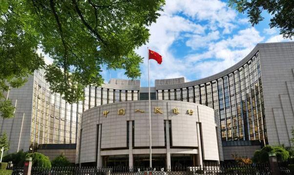 中国人民银行的四周,就是一本打开来的经济学教科书