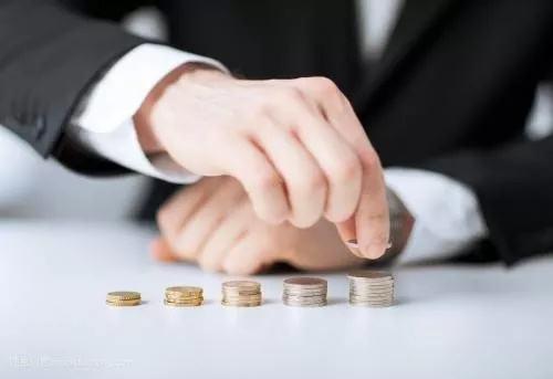 """现金贷告别""""躺赚""""时代 转型请参考四个样本"""