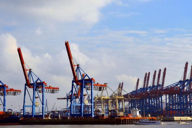 中美贸易战对人民币汇率的影响