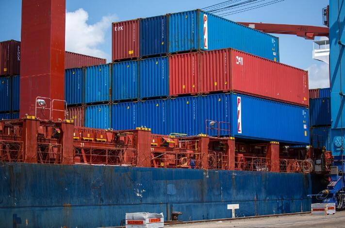 近期出货美国的注意了!美线运费暴涨、爆舱、还甩柜!