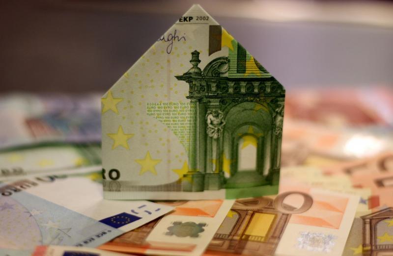 中小房企资金承压藏隐性风险 部分城市房贷增量减少