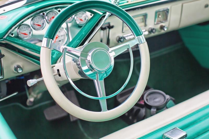 7月份传统汽车产销双降 新能源车逆势增长