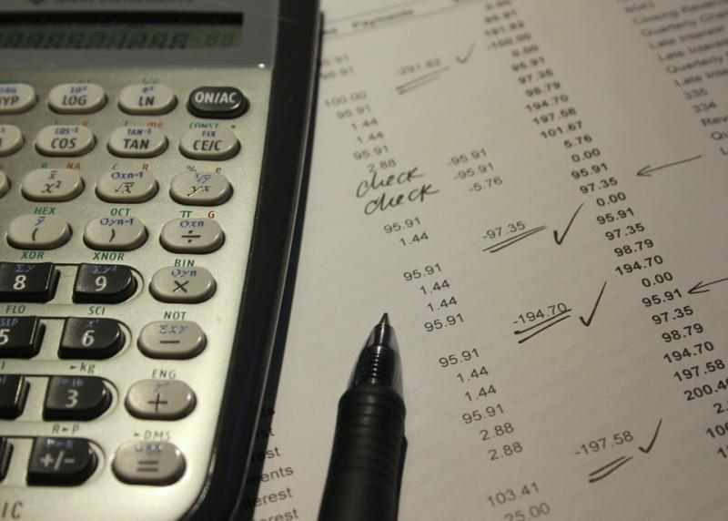 """网贷平台""""点对点""""兑付方案引争议 出借人质疑被""""收割"""" 平台担心恶意逃废债"""