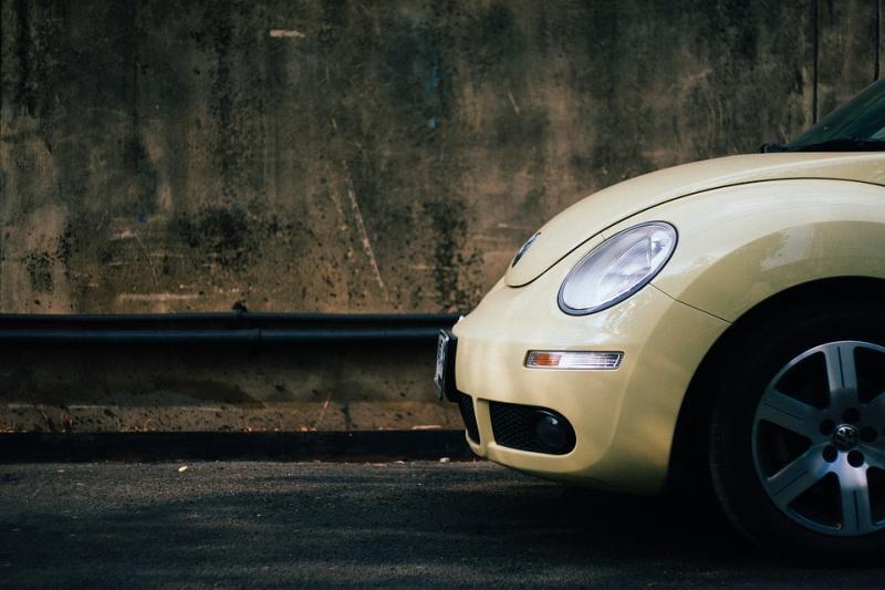 汽车市场进入洗牌期 能否凭借新能源弯道超车