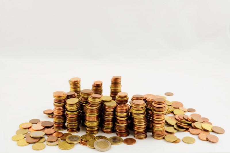 监管持续发力 网贷存量规模萎缩