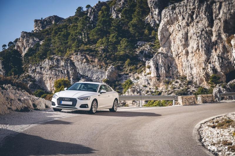 1月汽车销量继续下降 汽车下乡成为新契机