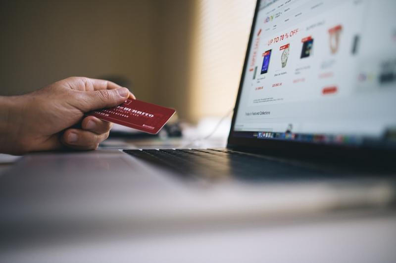 花呗、信用卡力推的延期还款服务,划算吗?